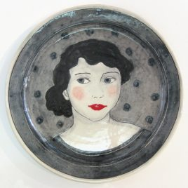 X4291 Large Round Plate – Louise Gardelle