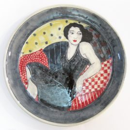X4292 Large Round Plate – Louise Gardelle