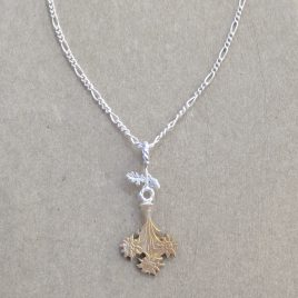 RE-26 Edelweiss and Oak Leaf Pendant – Rachel Eardley