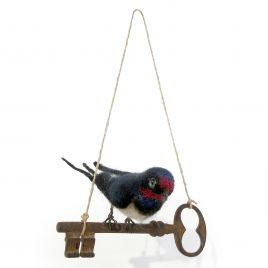 C6144 Swallow on a Key – Sue Clements