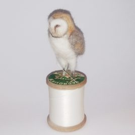 1546C Barn Owl on White Cotton Reel – Sue Clements